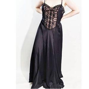 Vintage Monika Tilley For Vassarette Night Gown